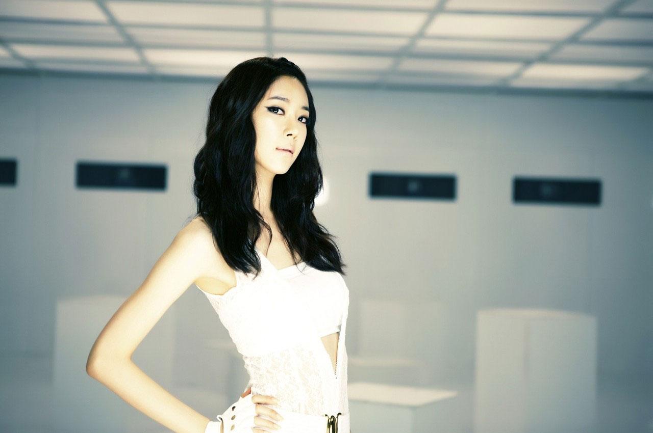 Korean girl group Gangkiz Hyeji Mama
