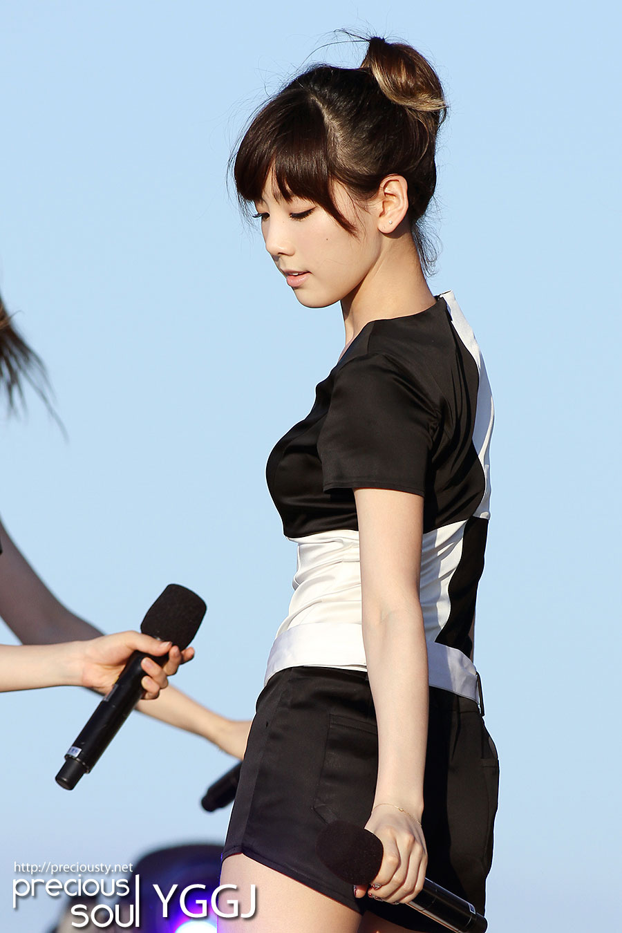 SNSD Taeyeon Jeju Concert 2011