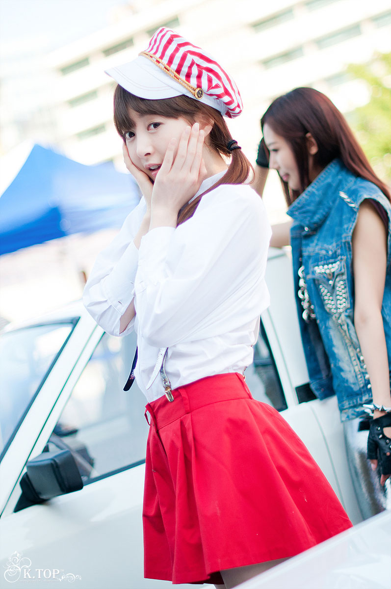 Korean model Lee Gana car show
