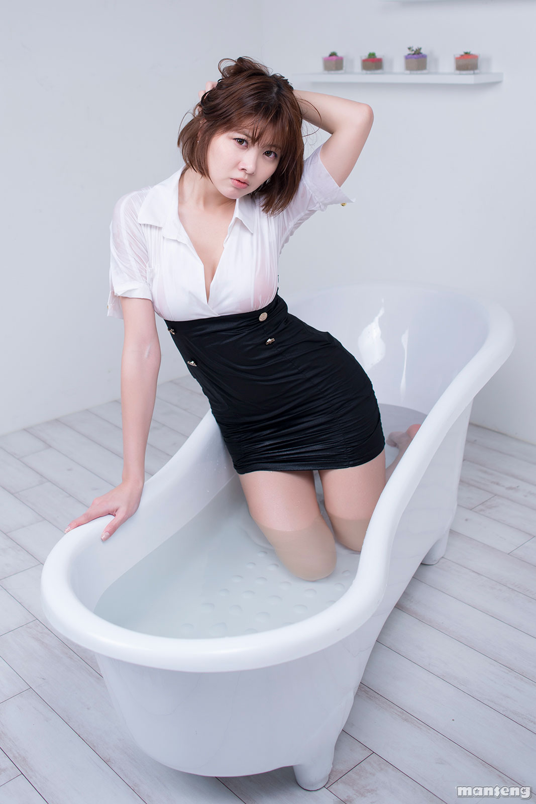 Korean model Jung Se On