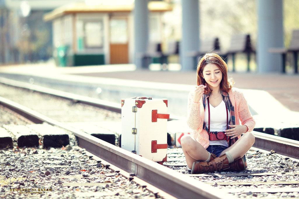 Bang Eun Young outdoor travel photoshoot