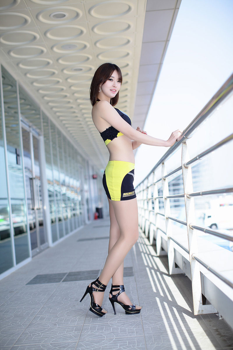 Park Si Hyun Seoul Motor Show 2013 | Male Models Picture