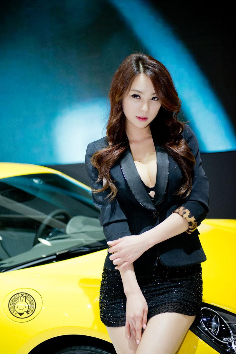 Ju Da Ha Porsche Seoul Motor Show 2013