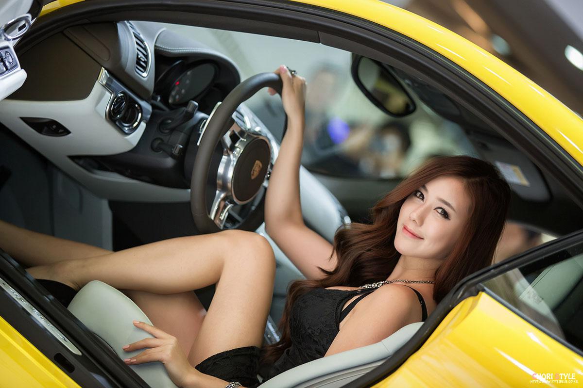 Model Kim Ha Yul Seoul Motor Show 2013