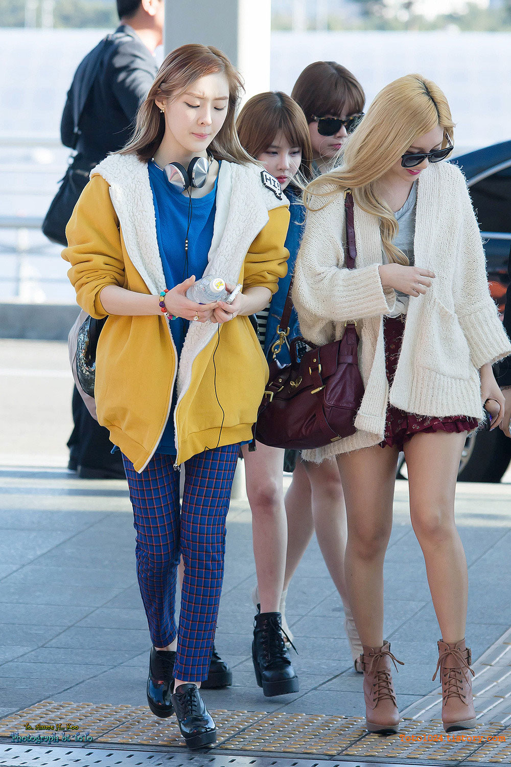 T-ara Ahreum Qri Incheon Airport fashion