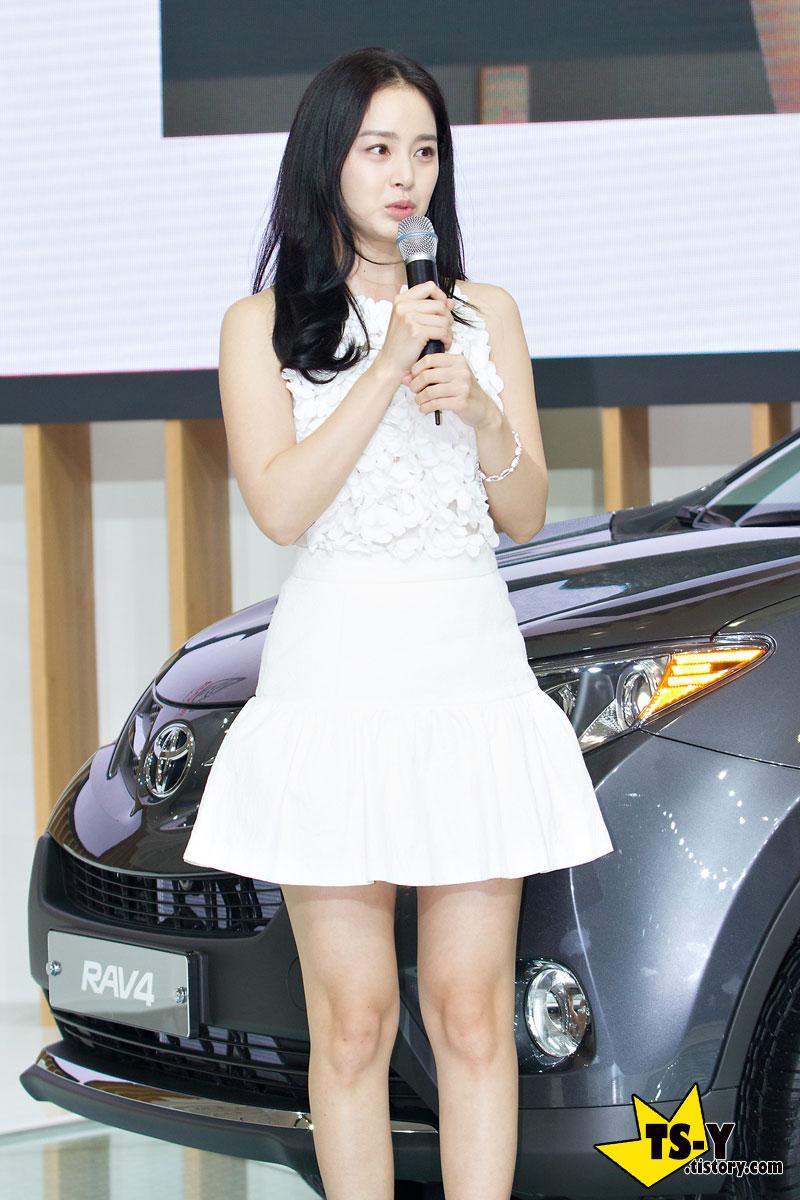Kim Tae Hee Seoul Motor Show 2013 Toyota