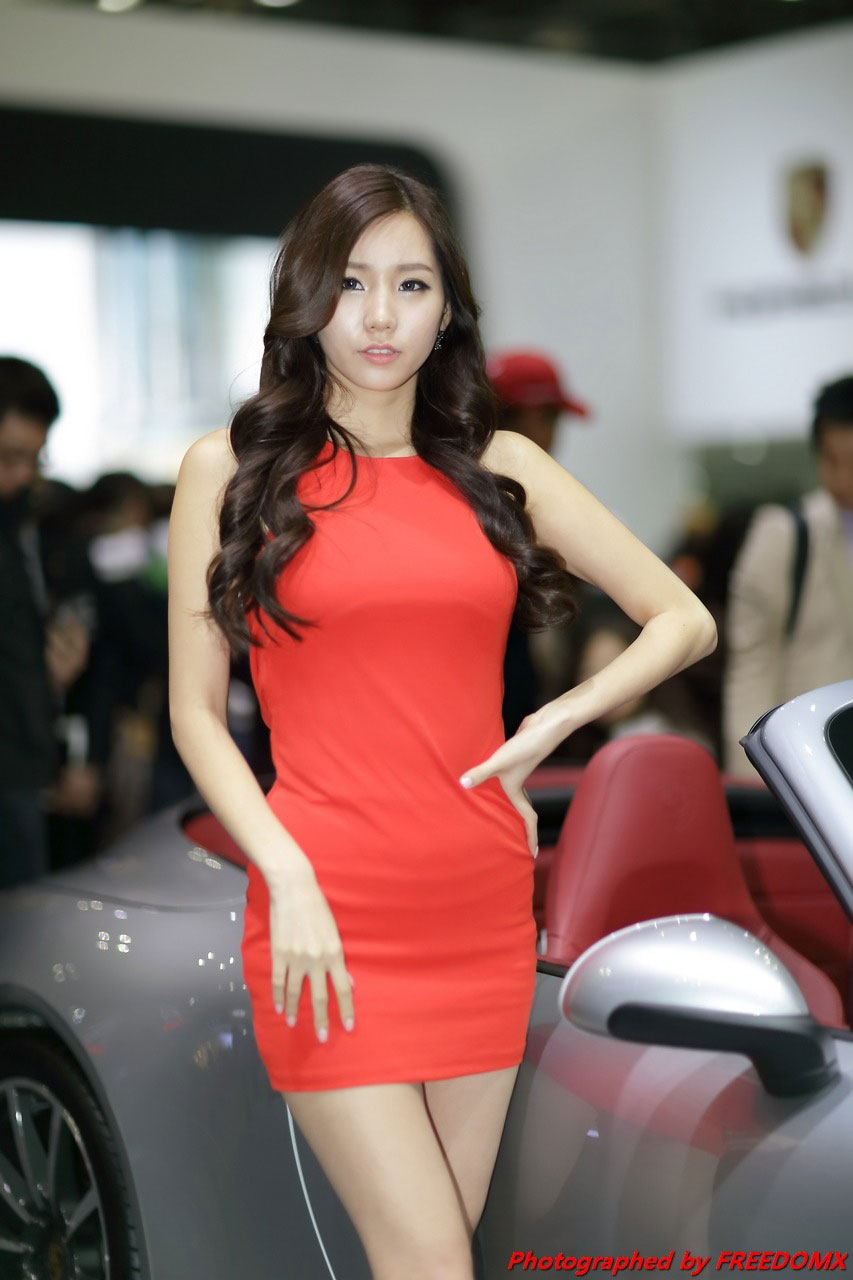 Lee Ji Min Seoul Motor Show 2013