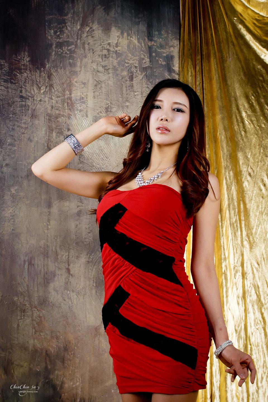 Korean model Shin Hae Rim