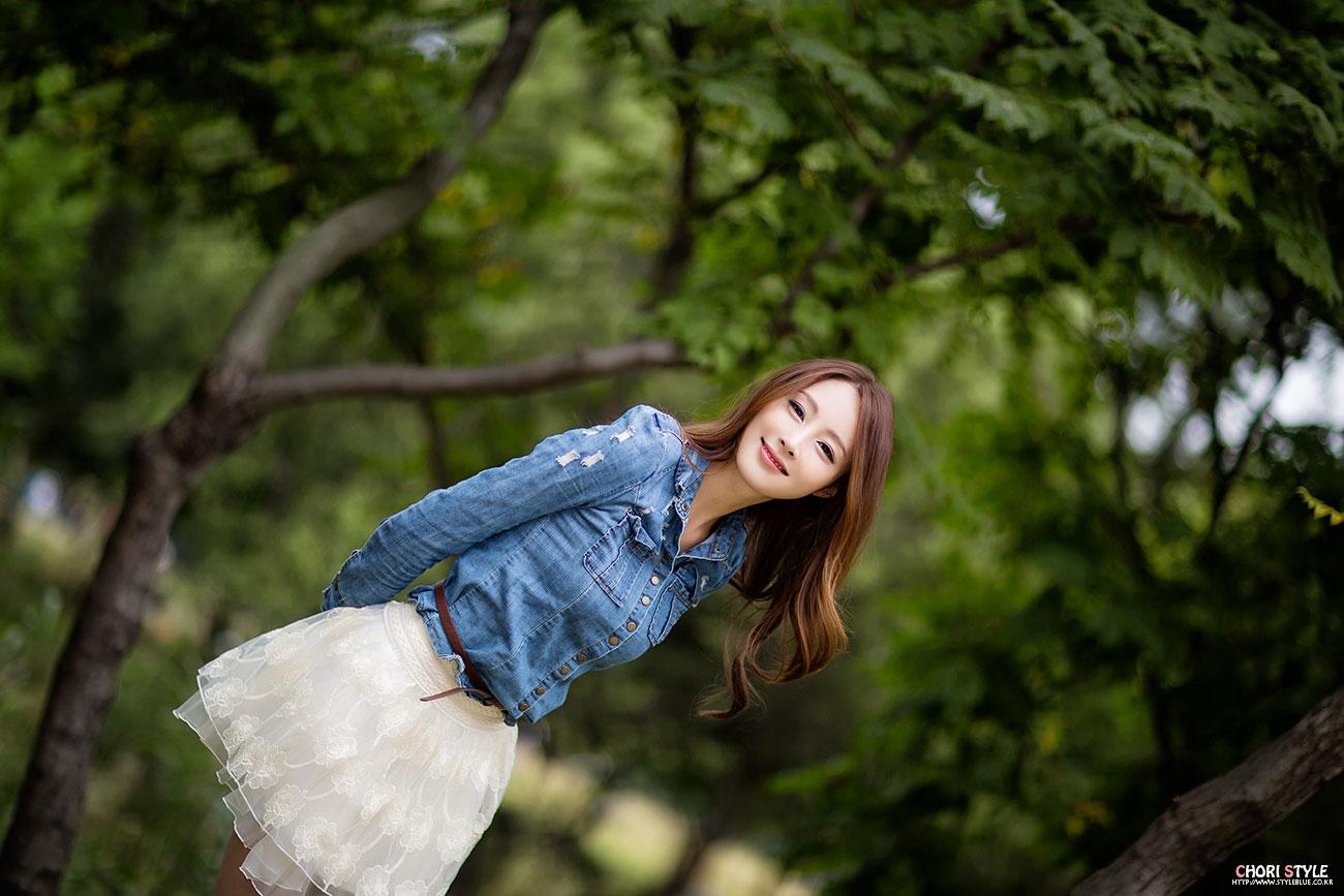 Korean model Eun Bin denim shirt