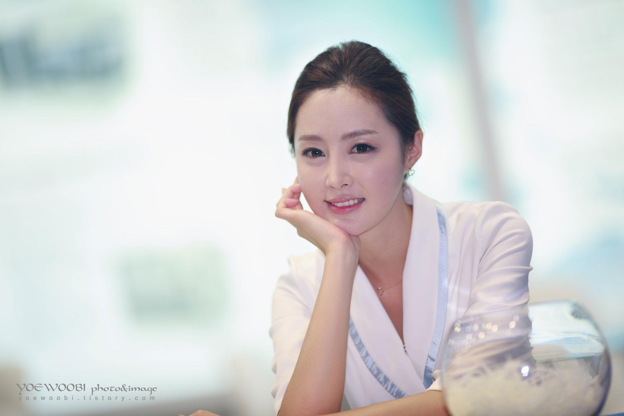 Eun Bin Korea Electronics Show 2013