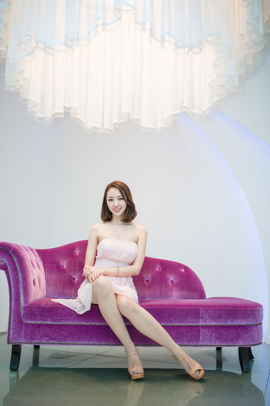 Korean model Shin Haeri studio photoshoot