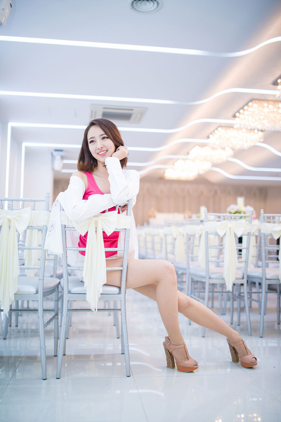 Korean model Shin Haeri studio photoshoot