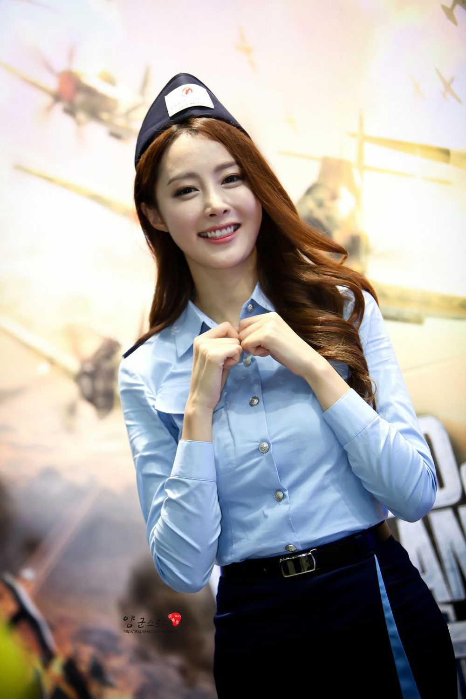 Eun Bin Seoul ADEX 2013 World of Warplanes