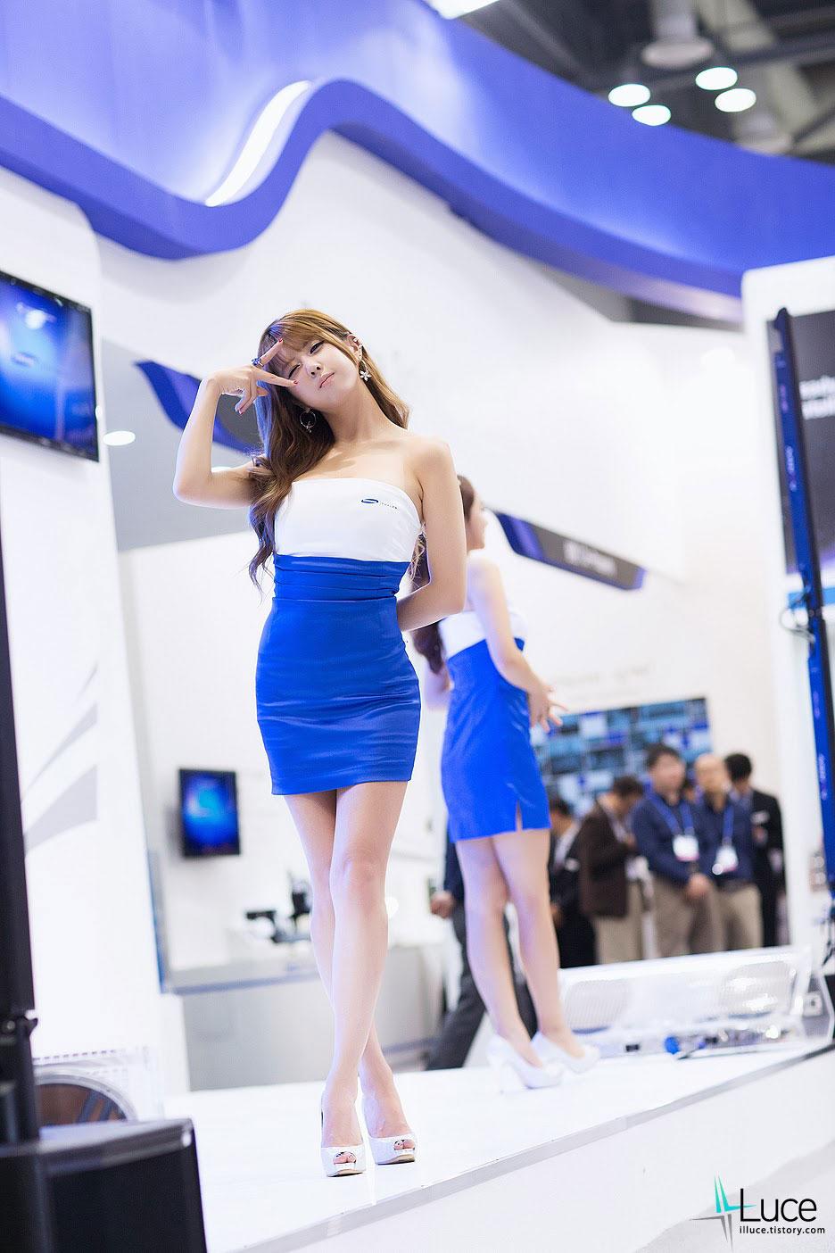 Model Heo Yun Mi Seoul ADEX 2013
