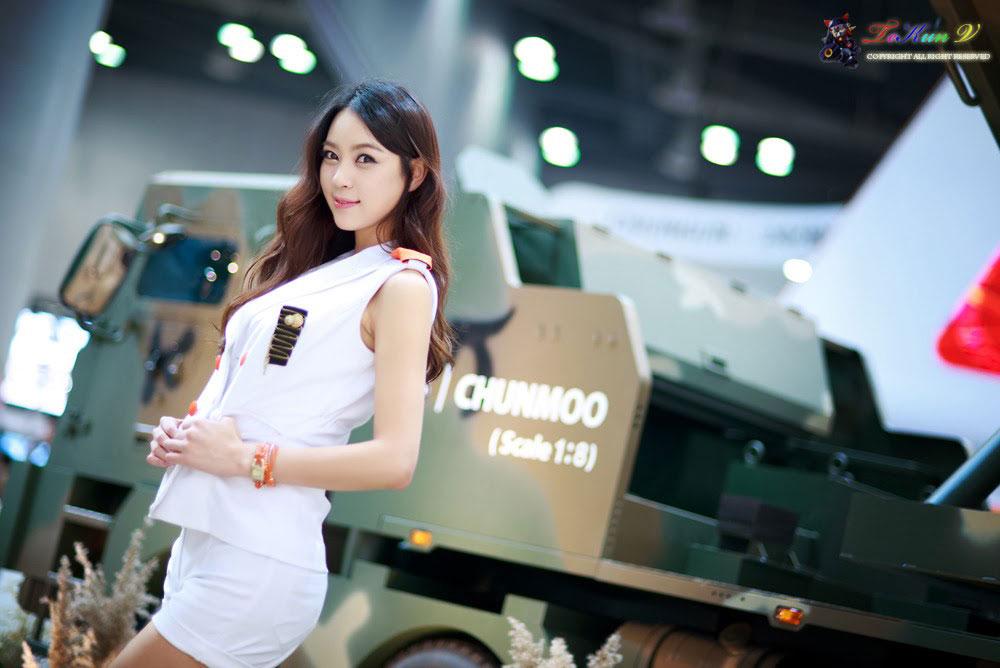 Model Ju Da Ha Seoul ADEX 2013