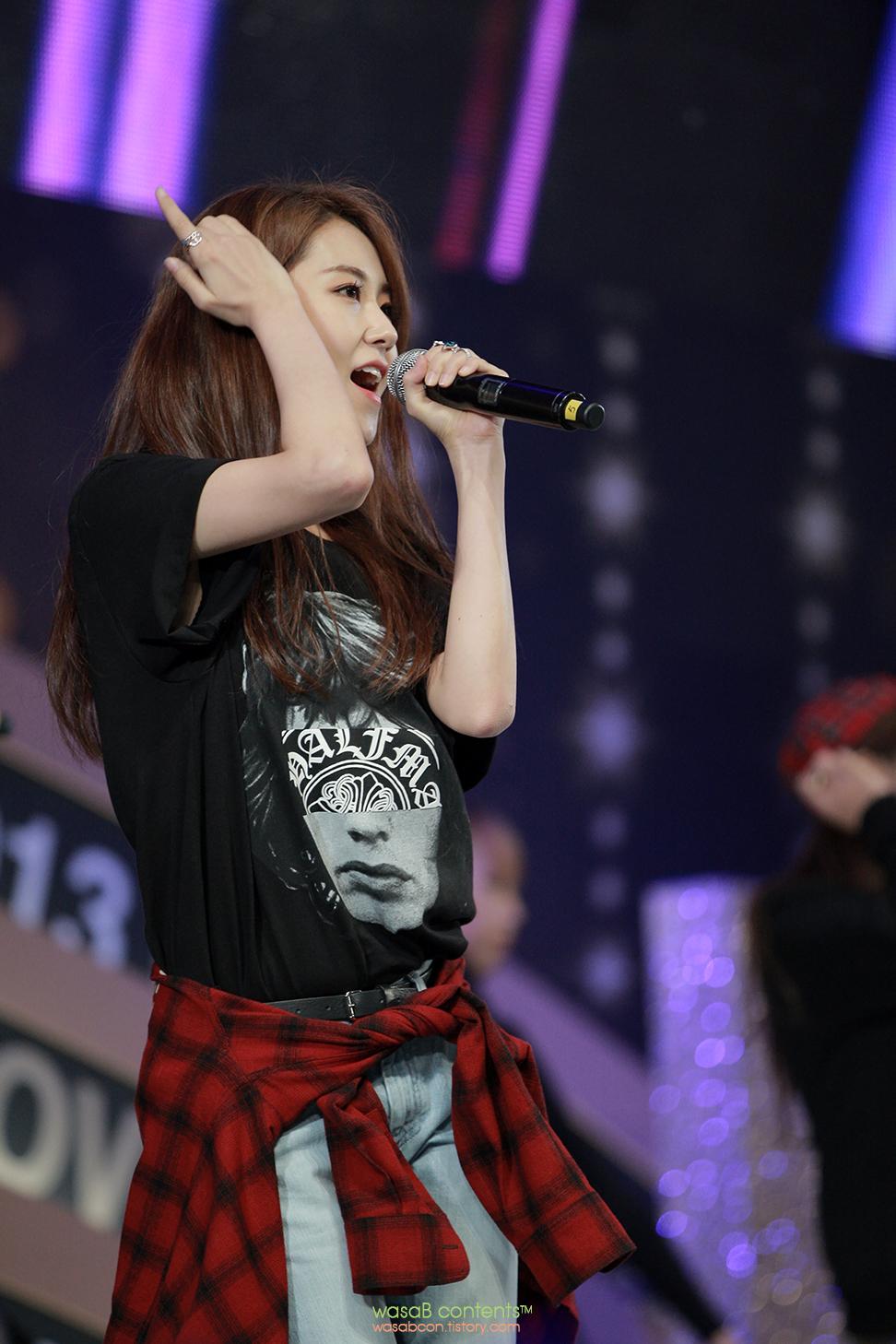 4Minute KBO Gayoon Golden Glove Awards 2013