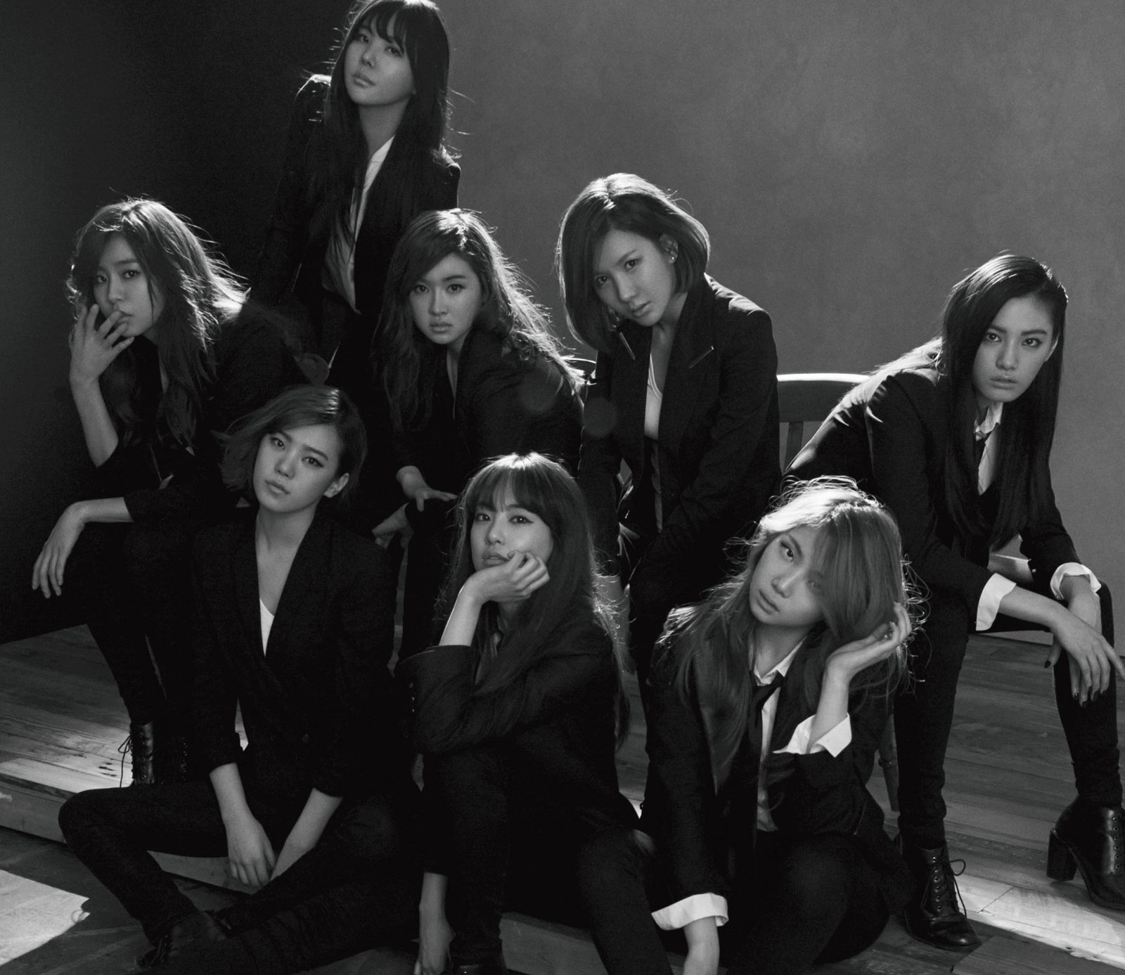 Korean girl group After School Shh