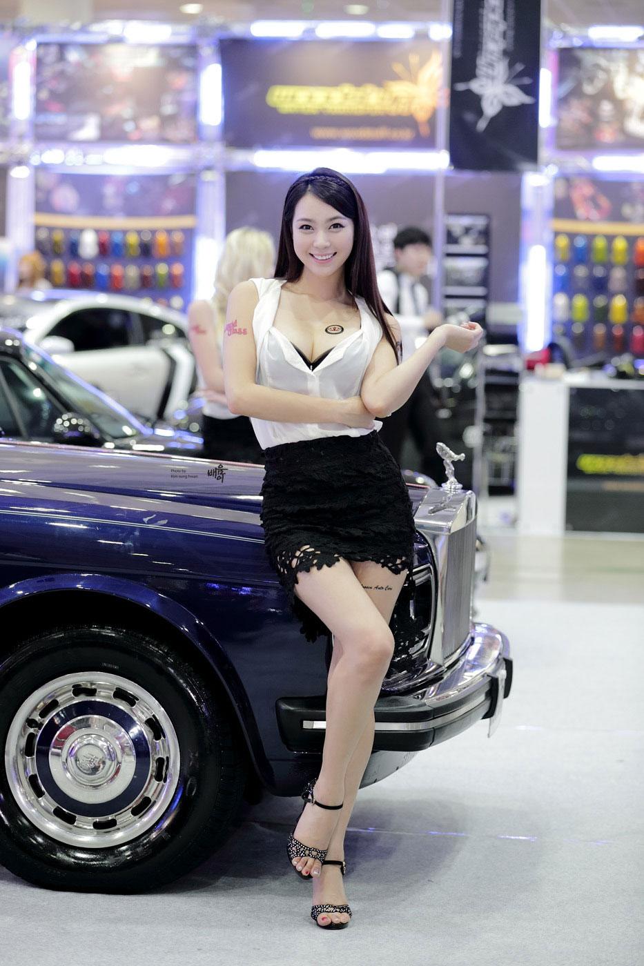 Model Ju Da Ha Seoul Auto Salon 2013