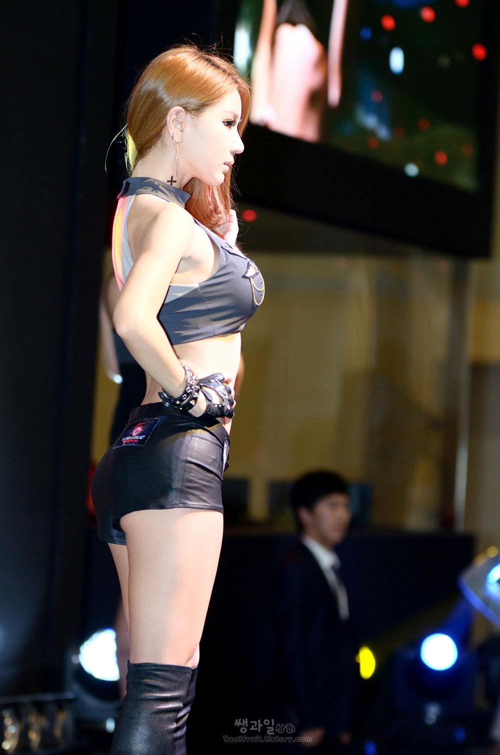 Park Si Hyun Gstar 2013 WarGaming