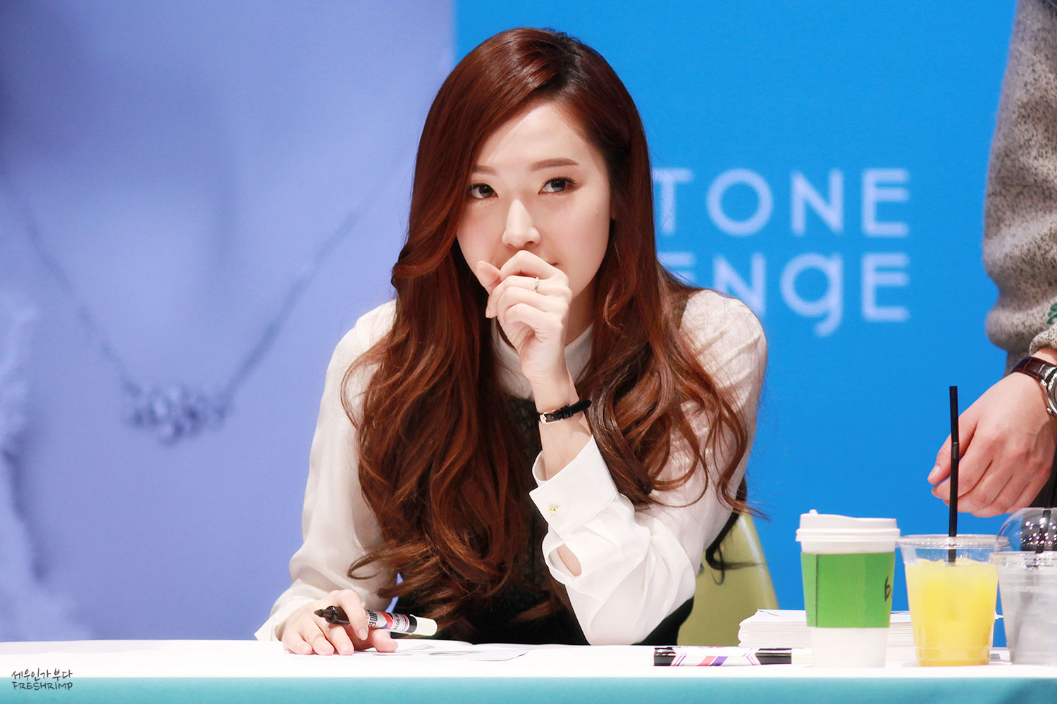Jessica Jung StoneHenge jewellery fansign