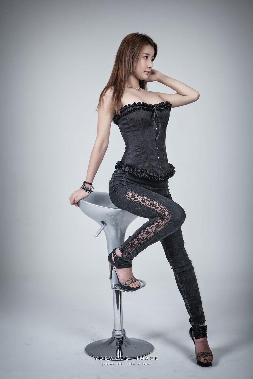 Korean model Kim Si Yeon photography