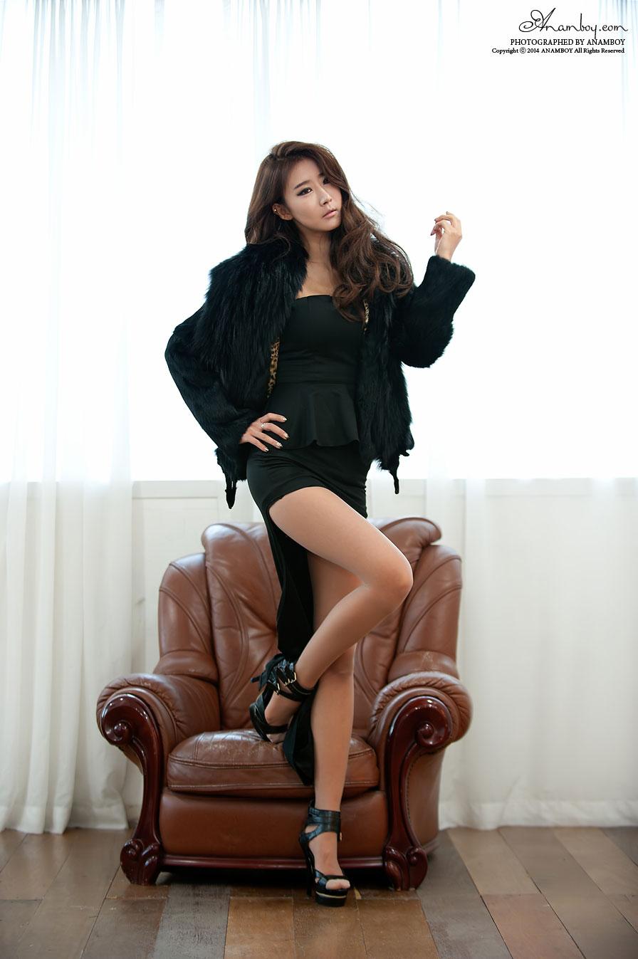 Park Hyun Sun leggy studio photoshoot