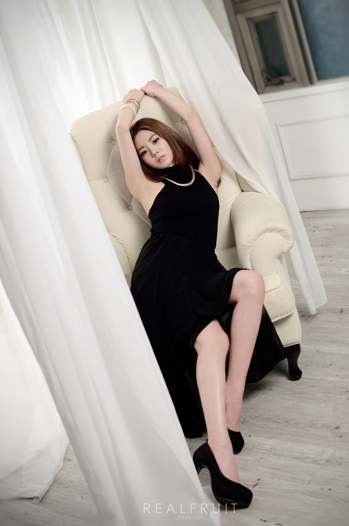 Korean model Chae Eun studio photoshoot