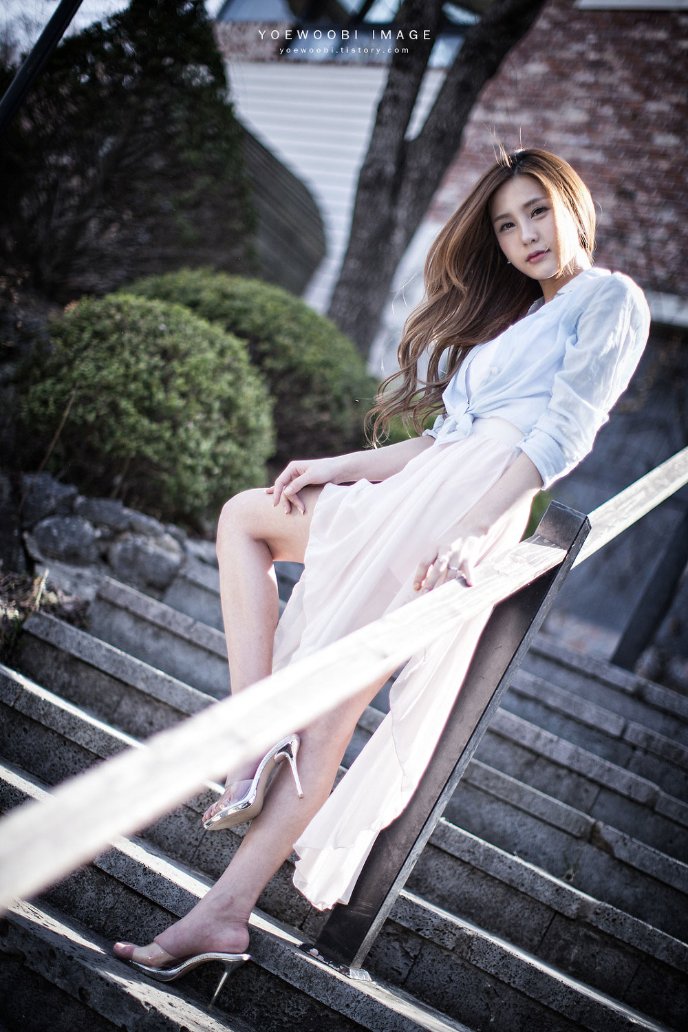 Korean model Park Soyu outdoor photoshoot