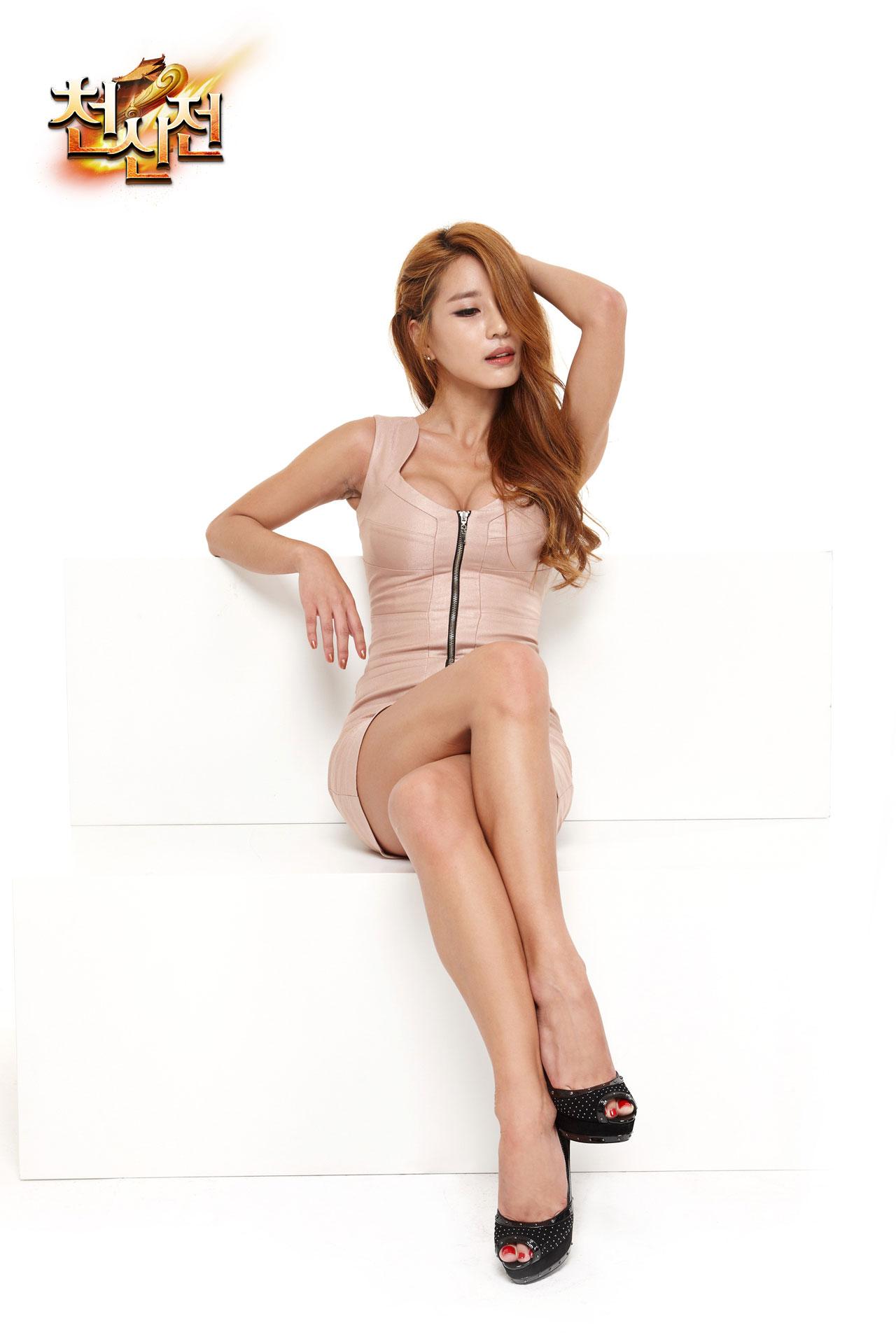 Korean model Park Si Hyun PUPU Game