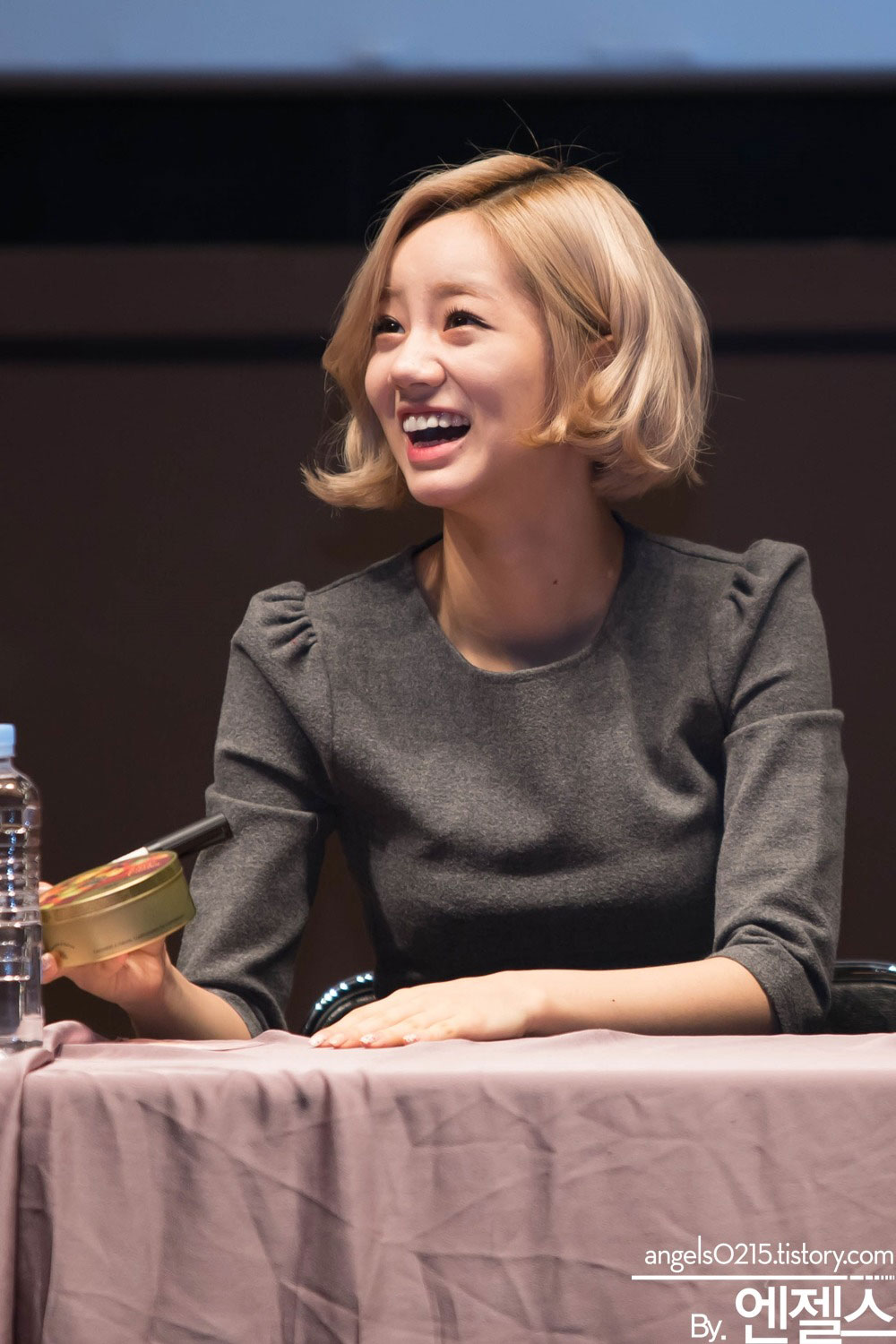 Girls Day Hyeri Something fansign event