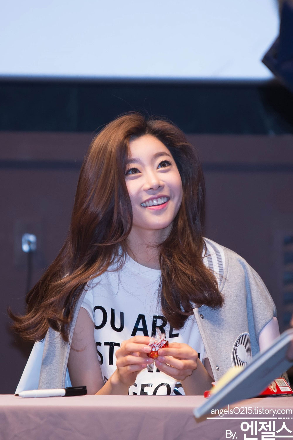 Girls Day Sojin Something fansign event