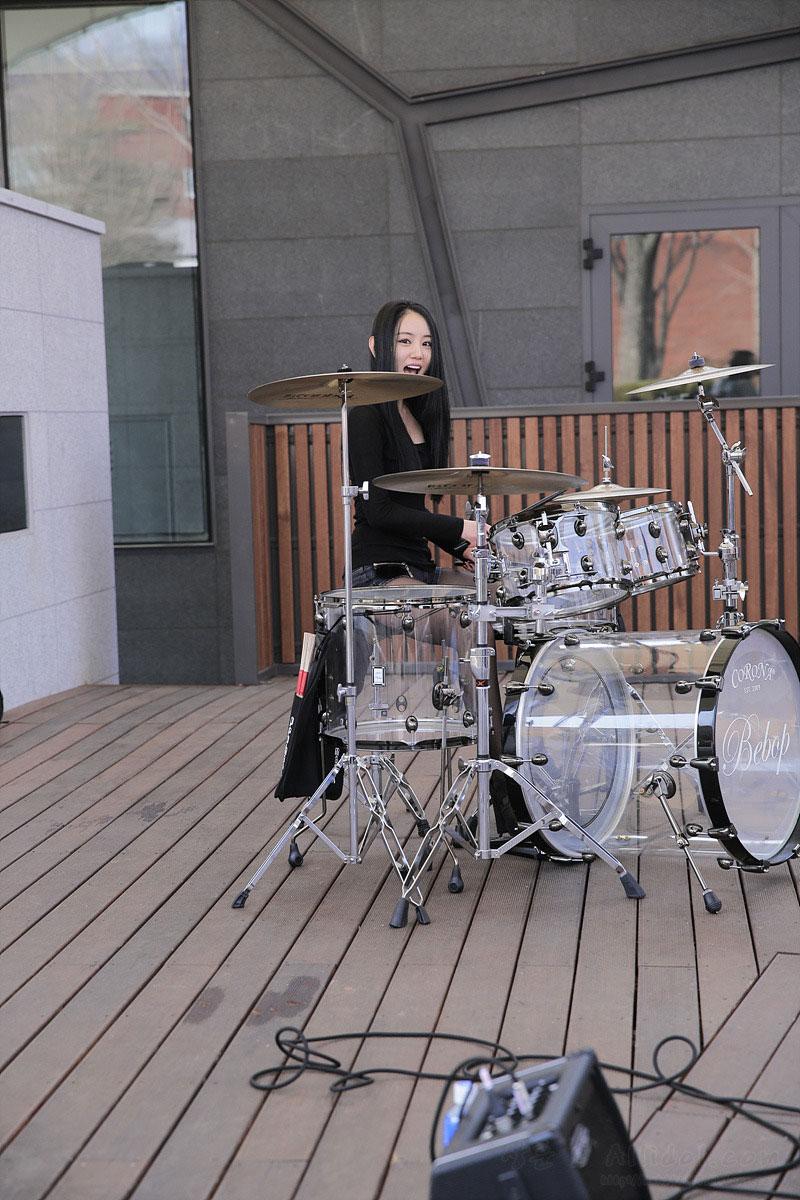 Korean girl band BeBop Marronnier Park