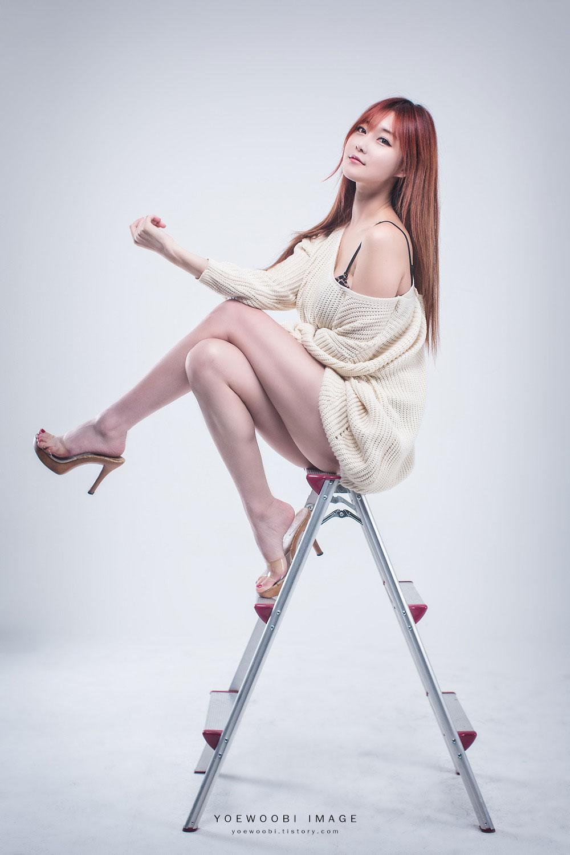 Korean model Choi Seul Ki white style