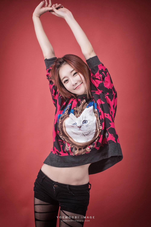 Korean model Choi Seul Ki red style
