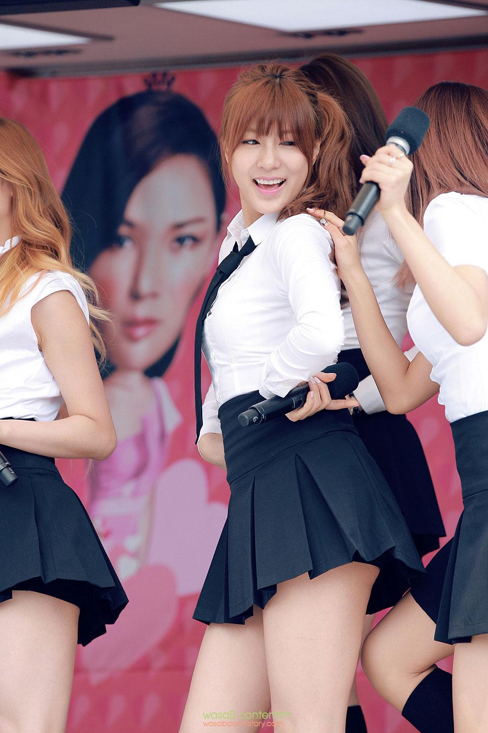 Popular Korean idol A Pink Hayoung 2014