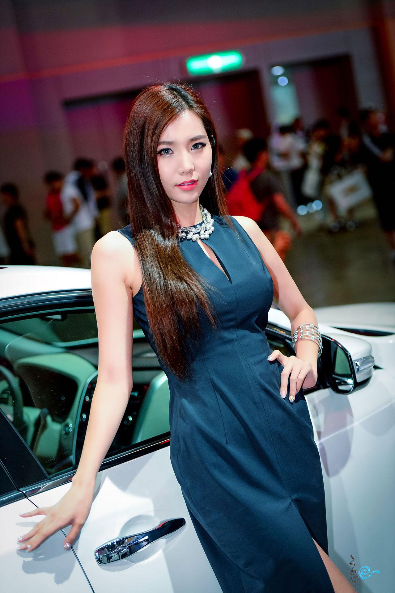 Model Lee Ji Min Busan Motor Show 2014