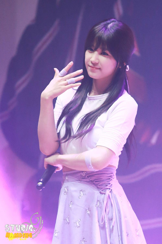 A Pink Chorong Korean mini concert