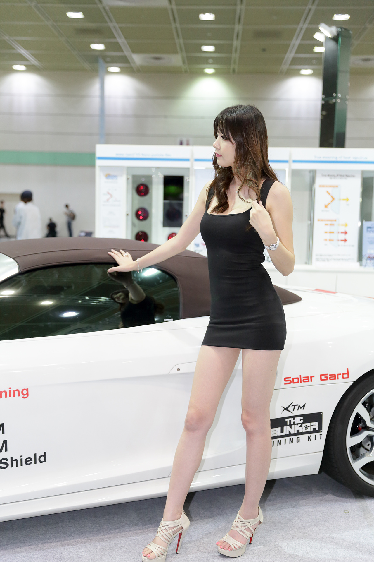 Hong Ji Yeon Seoul Auto Salon 2014