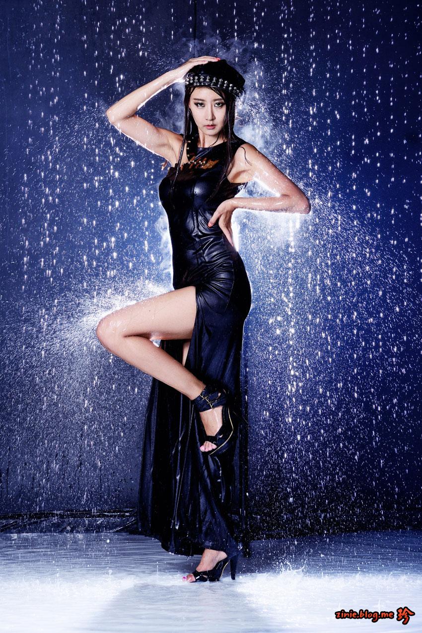 Korean model Park Hyun Sun studio shower