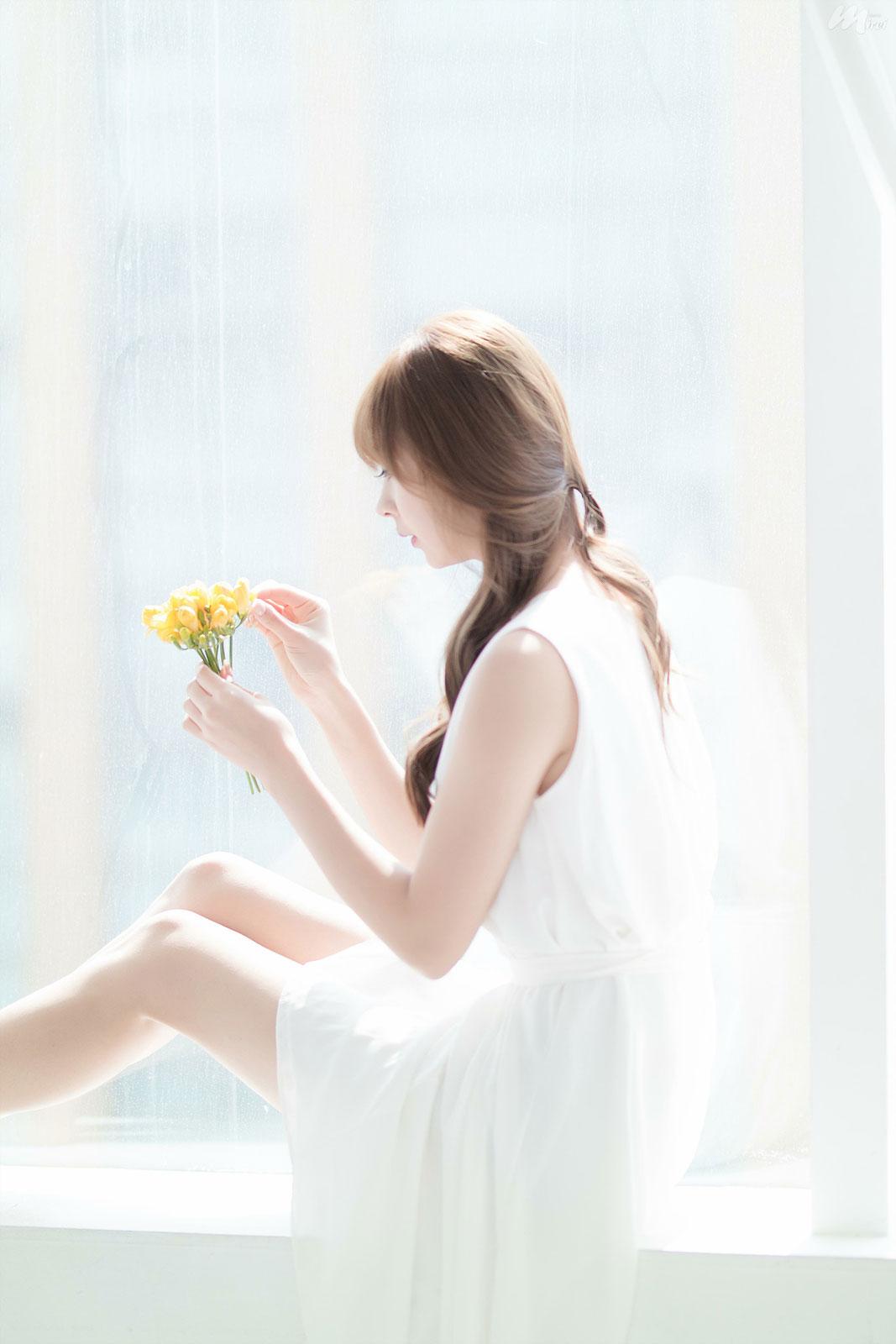 Seo Han Bit white dress studio photoshoot