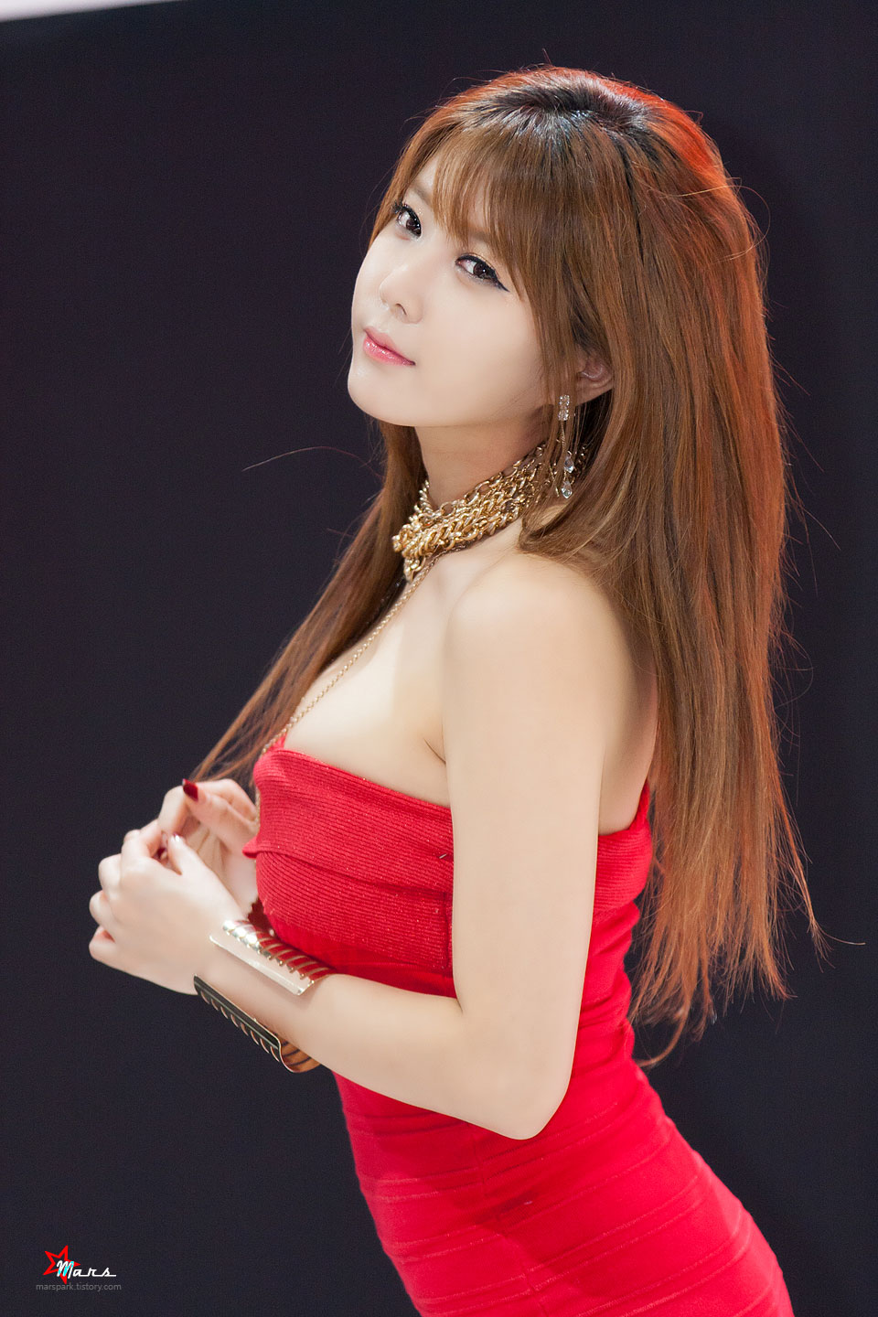 Heo Yun Mi BIMOS 2014 Nissan red dress