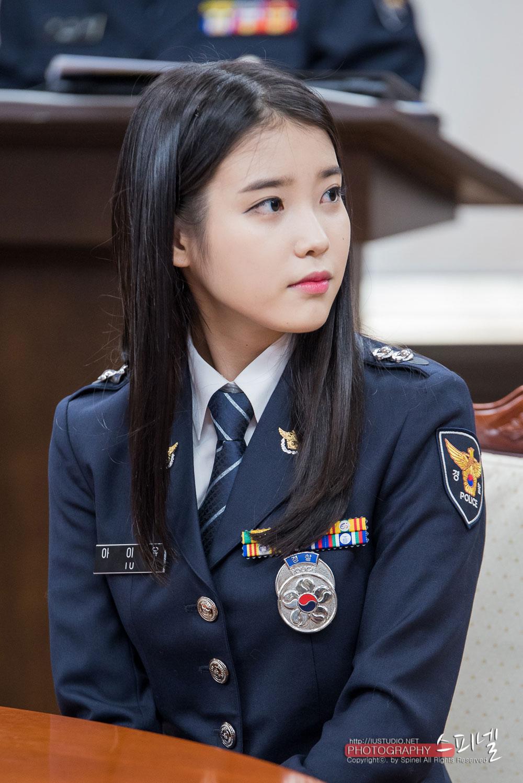 8 Gorgeous Photos Of IU The Senior Police Officer!