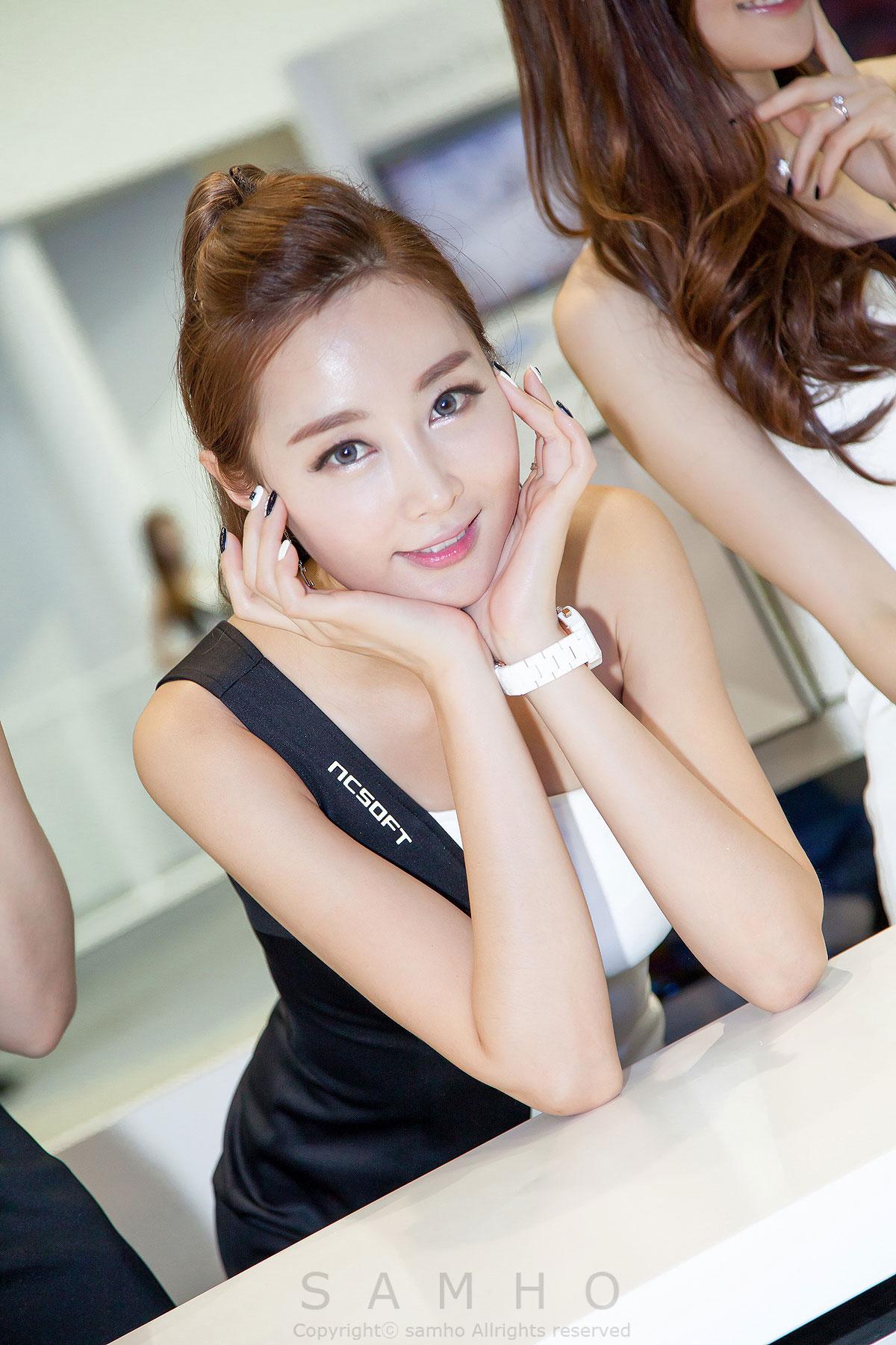 Eun Bin G-STAR Game Show 2014 NCSOFT
