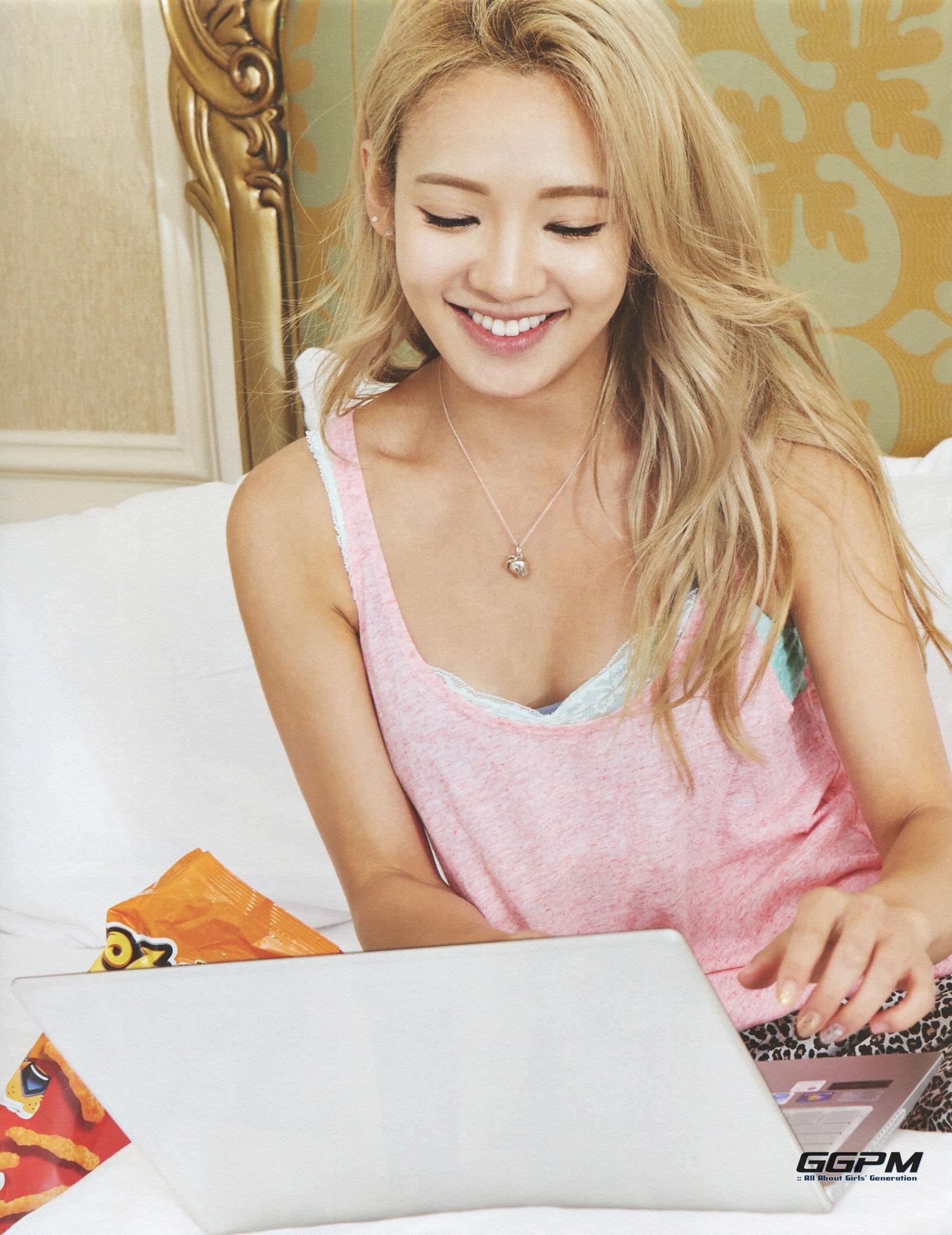 Girls Generation Hyoyeon 7th anniversary photobook