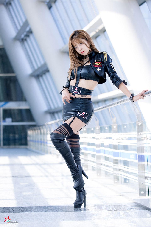 Heo Yun Mi G-STAR 2014 WarGaming