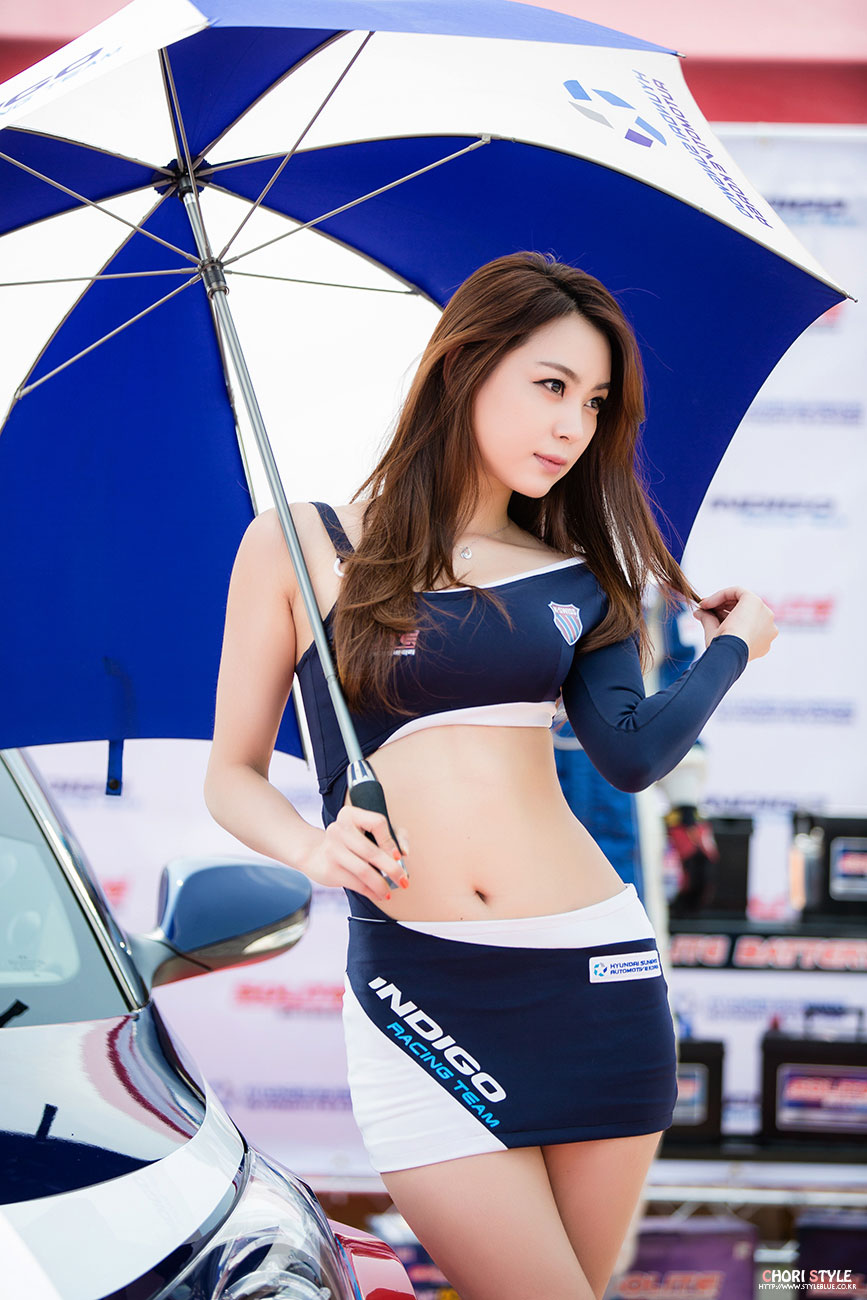 Sexiest Korean Sports Car Queen Model