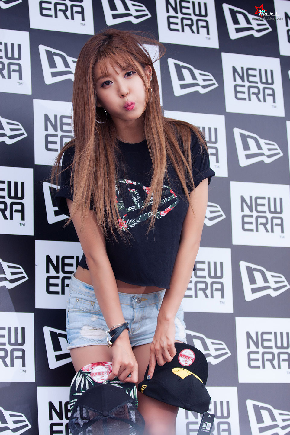 Heo Yun Mi New Era pop up store