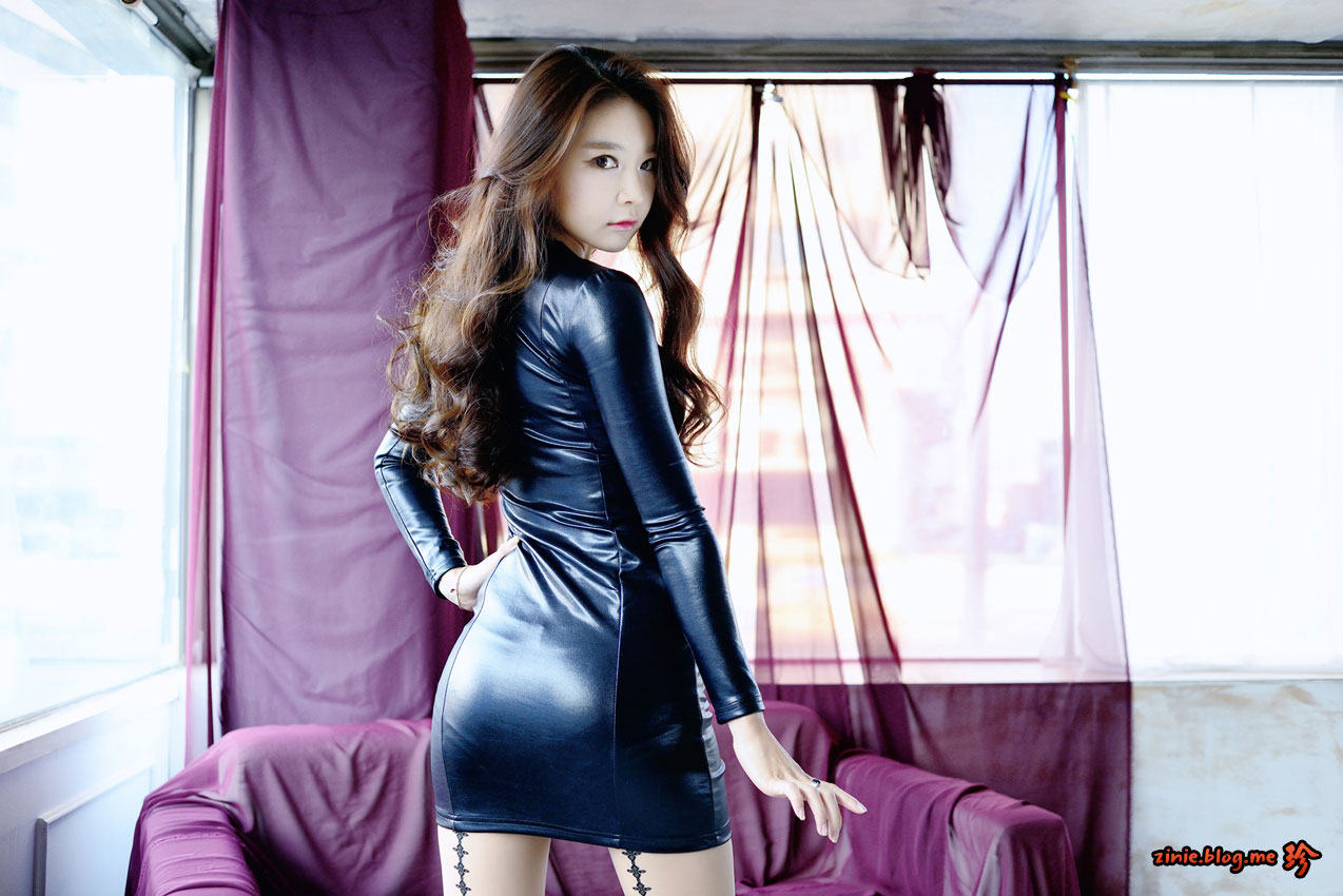 Korean model Lee Eun Seo studio photoshoot