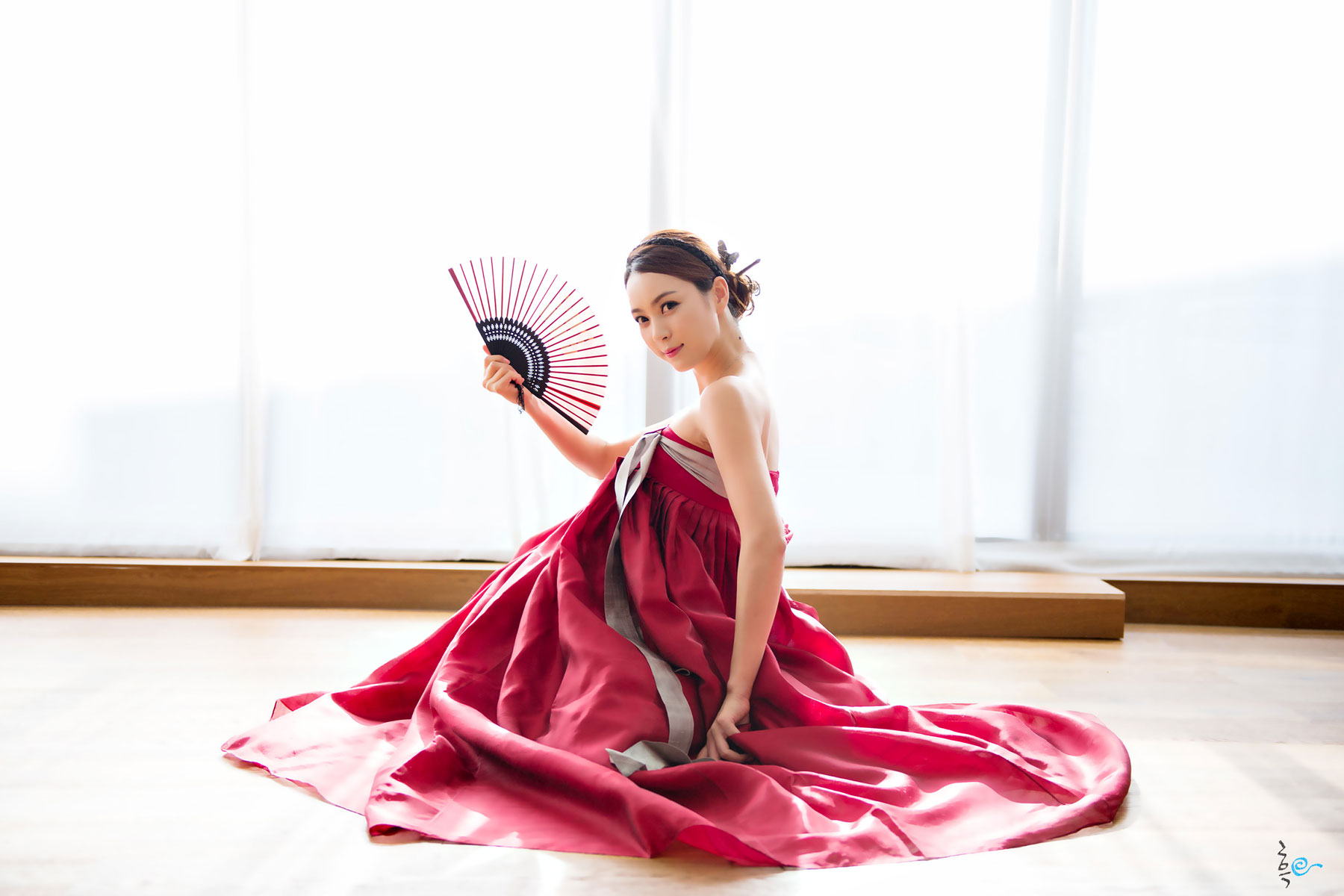 Ju Da Ha Korean hanbok dress