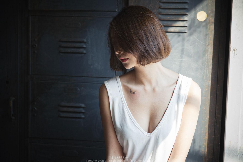 Model Seo Han Bit alluring studio photoshoot